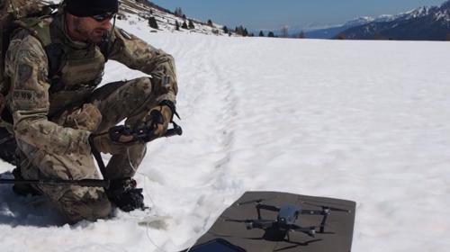 drone croce blu gromo esercitazione esercito